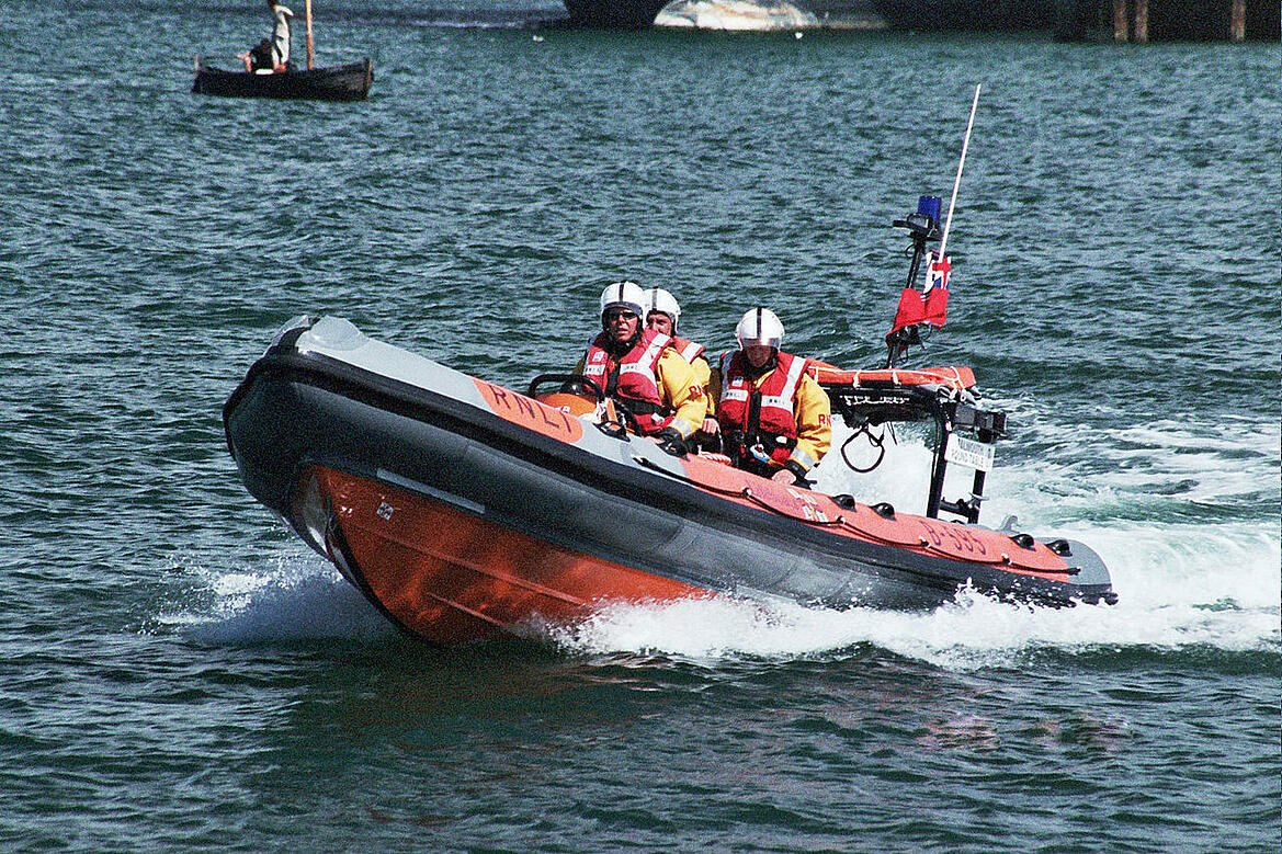 1280px-Falmouth_irb_02
