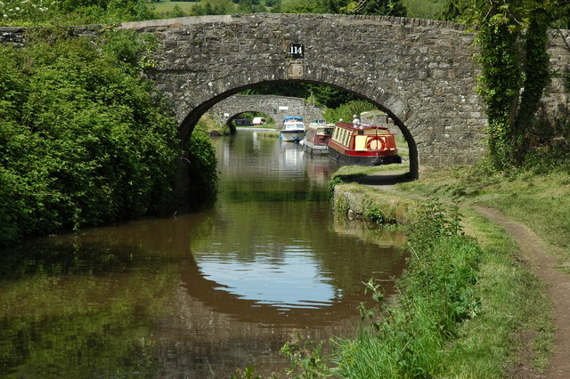 Bridge_114,_Monmouthshire_and_Brecon_Canal_-_geograph.org.uk_-_1321305