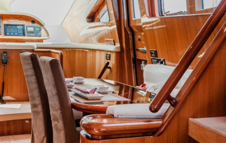 boat wrap interior
